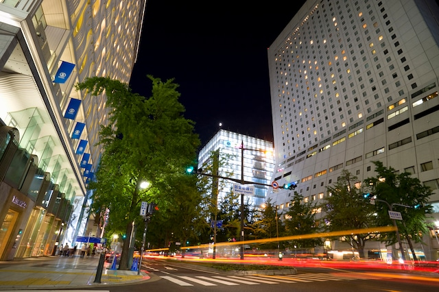 ホテル日航大阪 外観(夜)