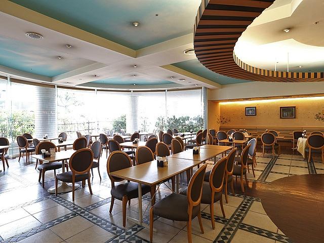 アークホテル岡山 1階レストラン「ラ・ペーシュ」