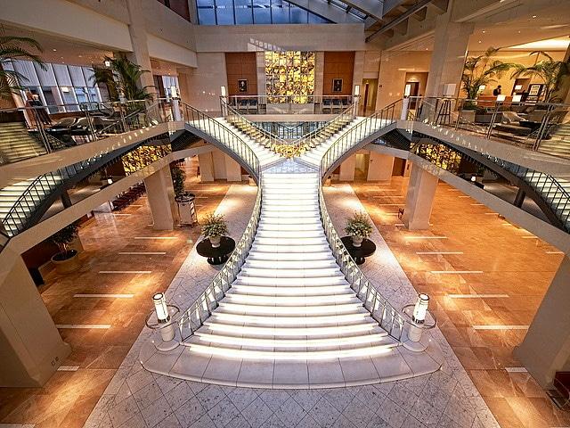 ホテル京阪ユニバーサル・タワー 大階段(タワー)