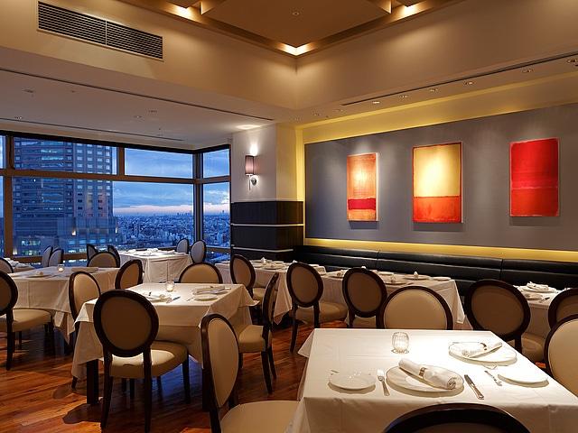 【渋谷】渋谷エクセルホテル東急 レストラン「ア ビエント」、夜ホール席比寿側