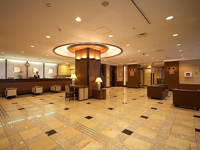 【新橋】新橋愛宕山東急REIホテル フロントロビー