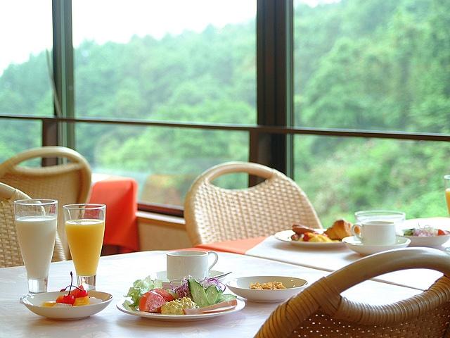 湯元ニセコプリンスホテルひらふ亭 朝食バイキングイメージ
