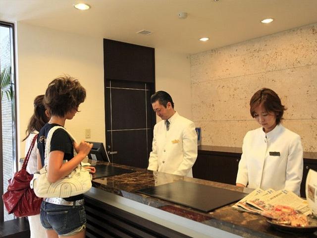 スマイルホテル沖縄那覇 フロント