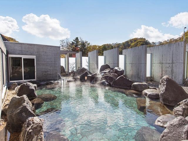 湯元ホロホロ山荘 露天風呂