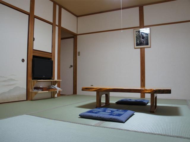 民宿コース(屋久島・宮之浦) 客室一例