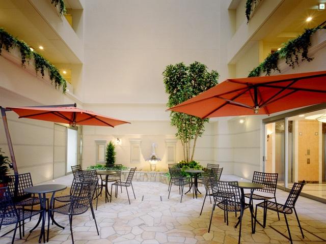 【葛西】ホテルルミエール葛西 南欧風の中庭