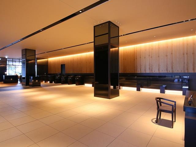 ホテルグレイスリー新宿 8階ロビー