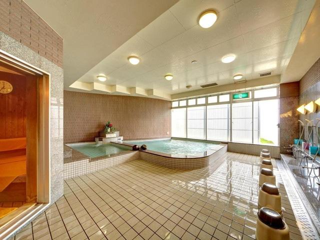 ホテルリゾネックス名護 別館「スポーツクラブ・ビスタ」サウナ付き大浴場