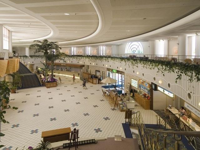 ロイヤルホテル 沖縄残波岬 ロビー