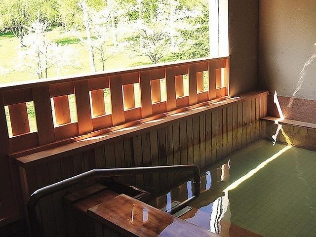 ホテル阿寒湖荘 露天風呂「木の香」