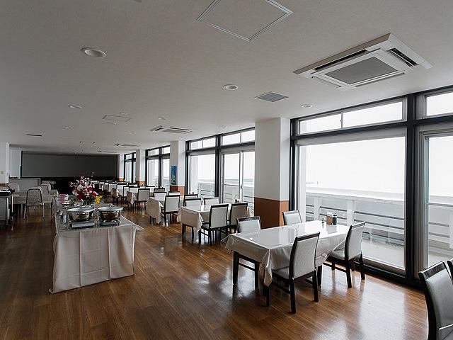 洞爺温泉ホテル華美  食事会場