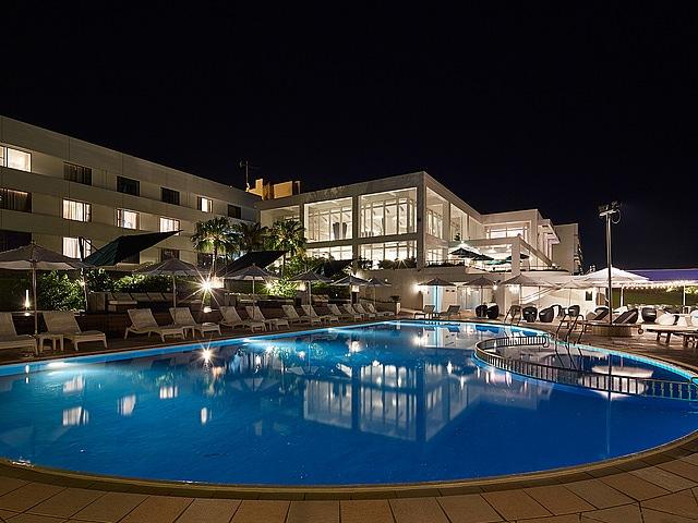 センチュリオンホテルリゾートヴィンテージ沖縄美ら海 外観(夜)