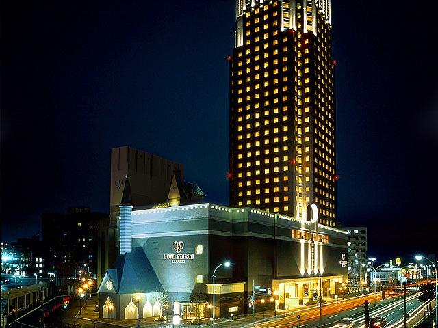 ホテルエミシア札幌 外観 夜