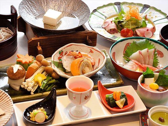 片山津温泉 ホテル北陸古賀乃井 夕食