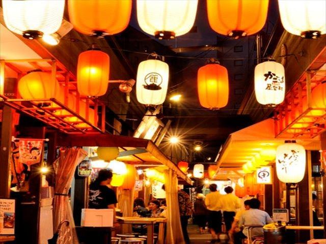 鹿児島東急REIホテル ホテル横「かごっまふるさと屋台村」
