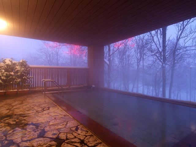ホテル甘露の森 露天風呂(冬)
