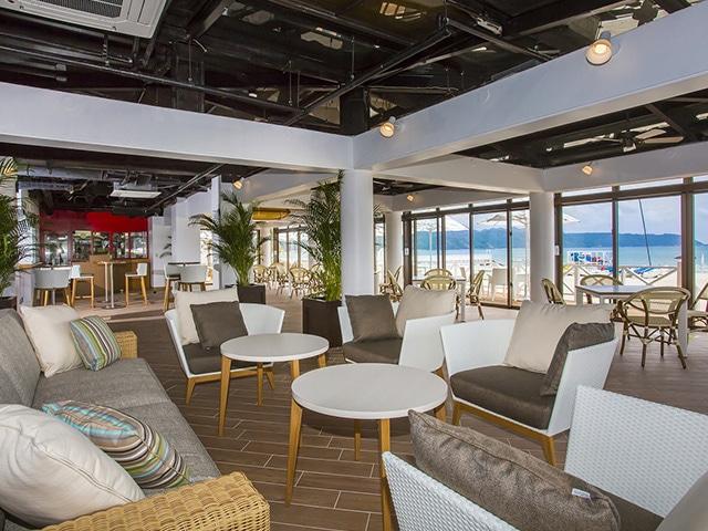 オクマ プライベートビーチ & リゾート ビーチカフェオアシス
