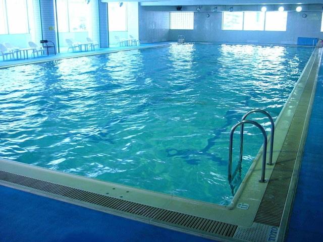 白金四季の森ホテルパークヒルズ 温水プール