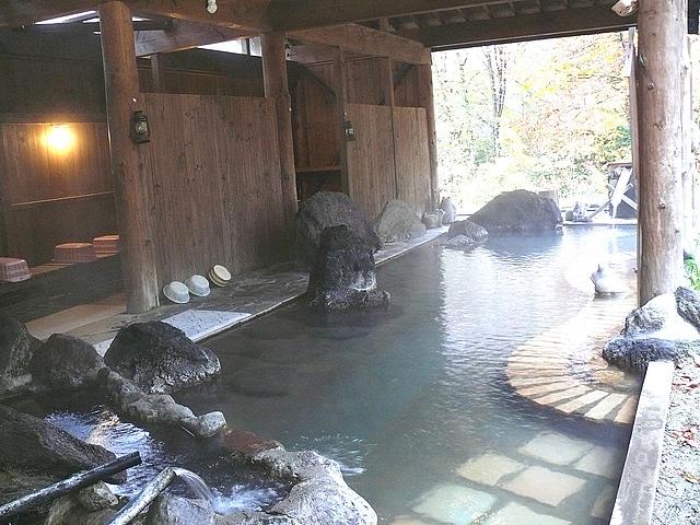 田沢湖高原温泉 プラザホテル山麓荘 露天風呂