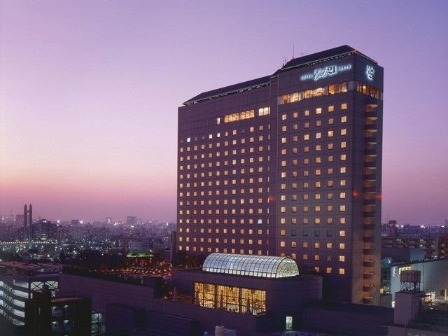 ホテルイースト21東京 外観 夜景