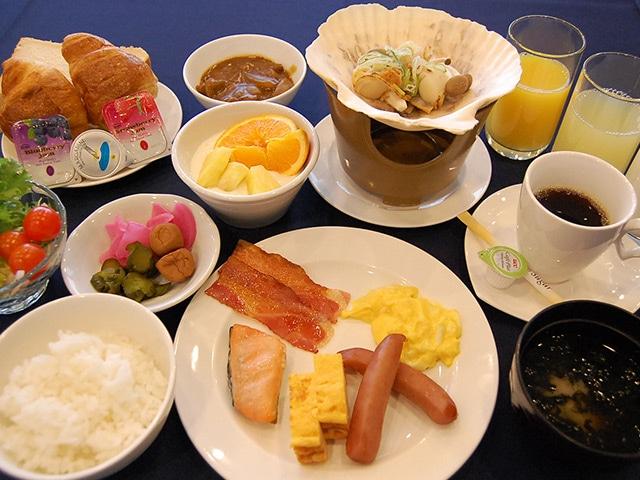 ホテルサンルート青森 朝食一例