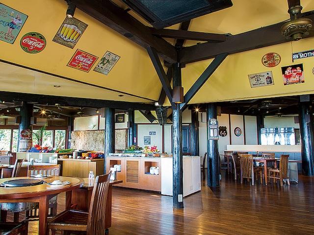 オクマ プライベートビーチ & リゾート レストラン一例