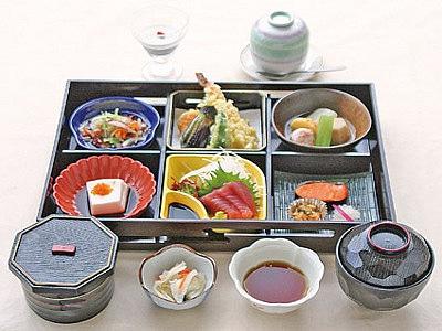 奄美サンプラザホテル 夕食一例