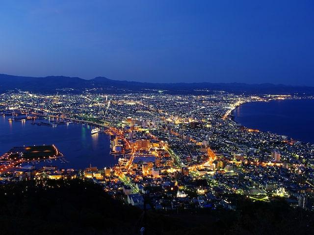 何度でも見たくなる…絵ハガキよりも美しい函館山の夜景イメージ