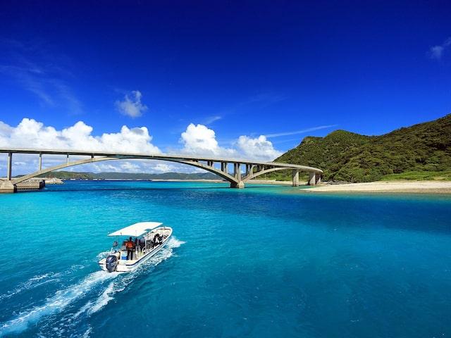 那覇に泊まって慶良間諸島で体験ダイビング!イメージ