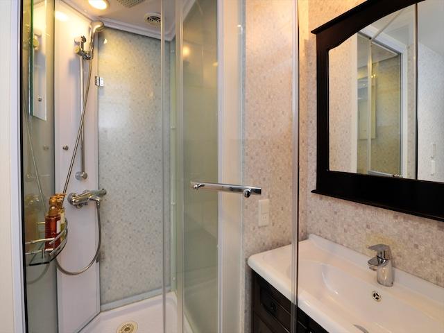 天然温泉 ホテルパコ函館 別亭デラックスツイン シャワーブース