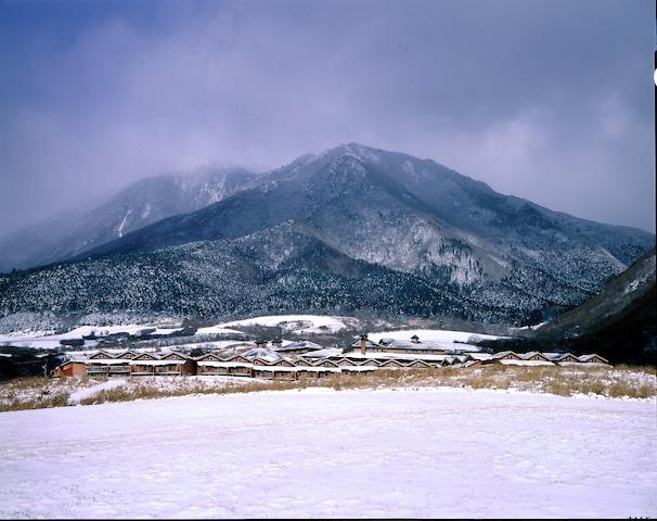 レゾネイトクラブくじゅう 全景(冬)