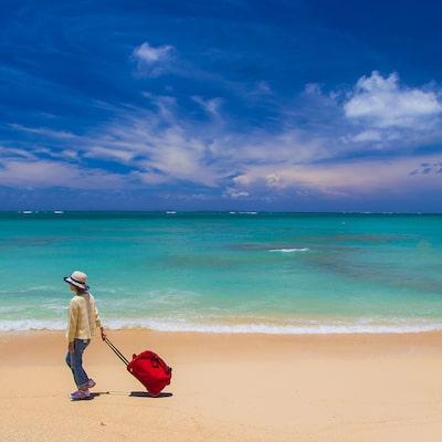 夏休みも早割で大幅割引「ハヤトビ!沖縄旅行」で早期予約!イメージ