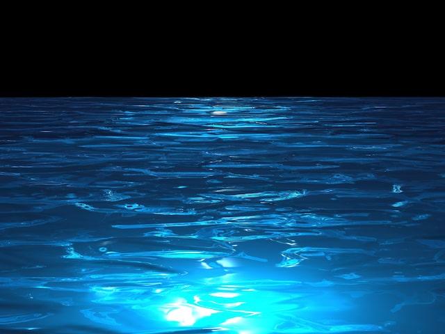 泳げるナイトプールをご案内しますイメージ