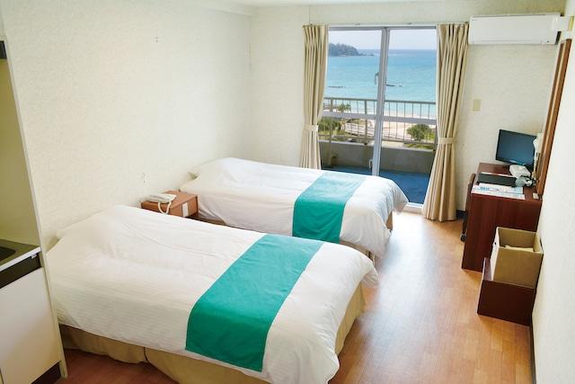 沖縄サンコーストホテル 客室一例