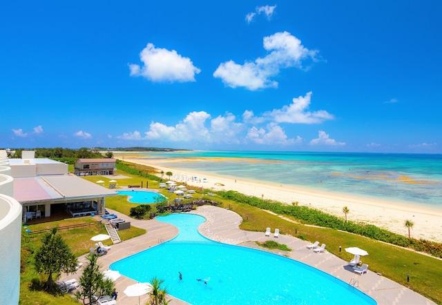 久米島イーフビーチホテル 全景