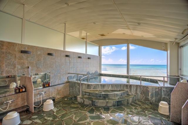 久米島イーフビーチホテル 展望風呂