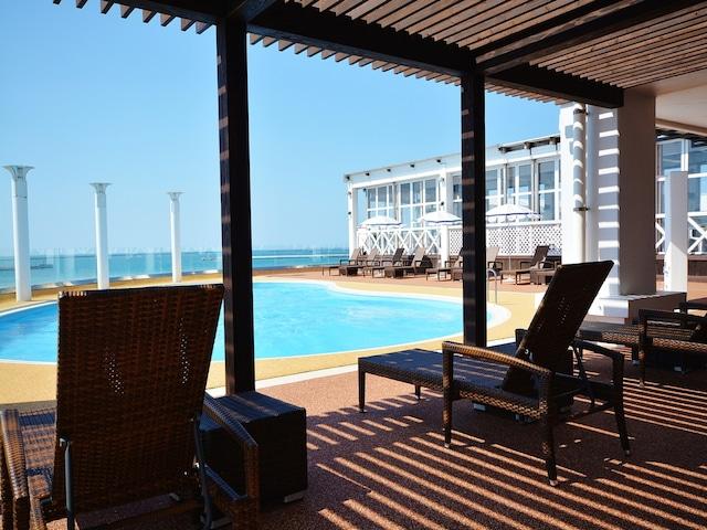 ホテルアトールエメラルド宮古島 プールサイド