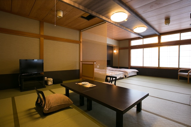 弥彦温泉 お宿 だいろく 和風ツインルーム 10畳