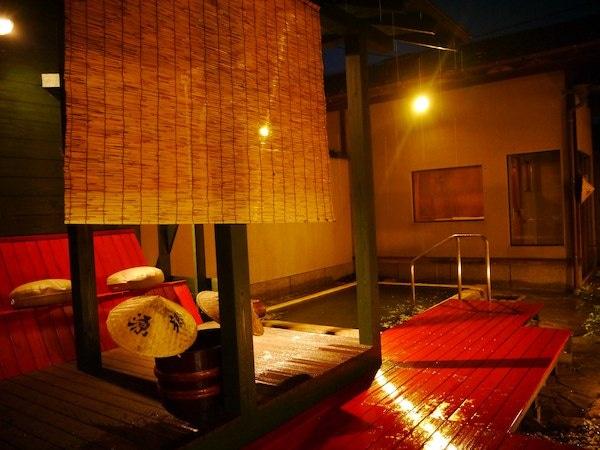 月岡温泉 湯あそびの宿 曙 露天風呂