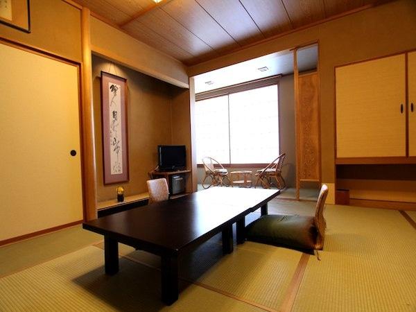 月岡温泉 湯あそびの宿 曙 スーペリア和室 10畳+広縁