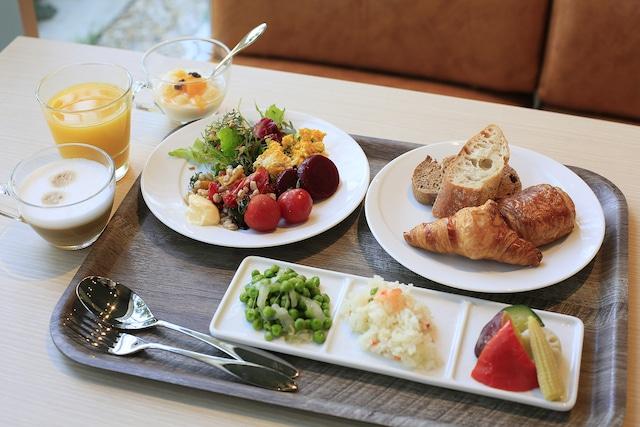 【新浦安】イビススタイルズ東京ベイ 朝食盛り付けイメージ(洋食)