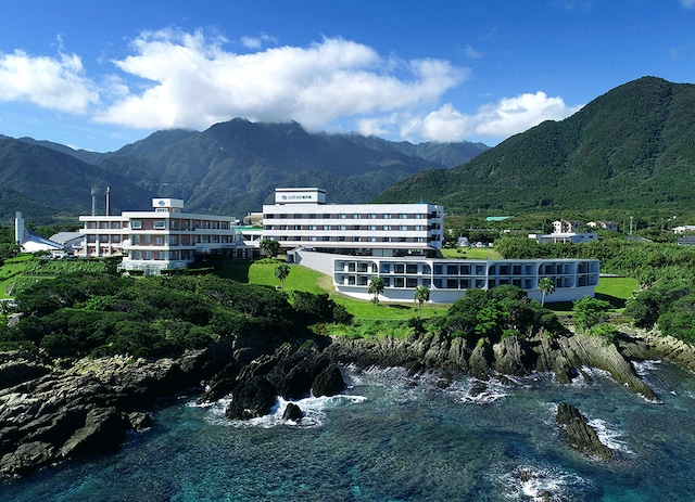 THE HOTEL YAKUSHIMA OCEAN & FOREST 外観