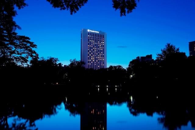 プレミアホテル中島公園札幌 外観 夜