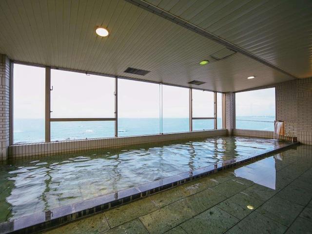 ホテルエリアワン番神岬 大浴場