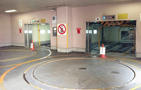 鹿児島東急REIホテル 館内立体駐車場