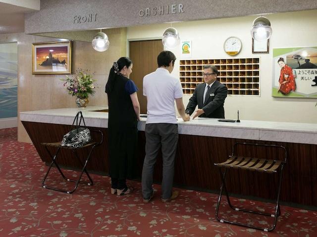 リバーサイドホテル松栄 フロント