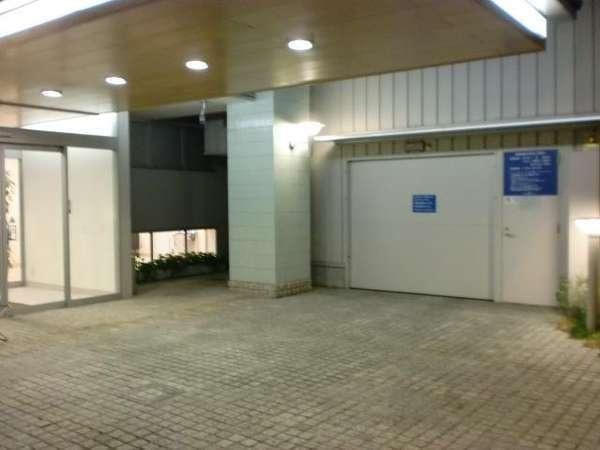 スマイルホテル松山(旧プレミアイン松山) 駐車場
