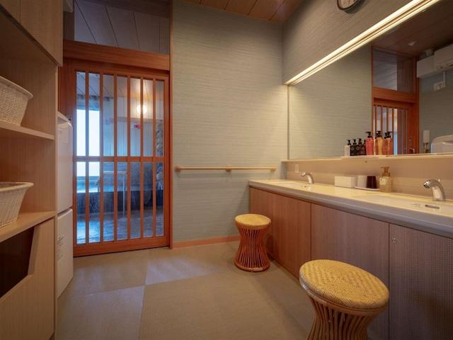 ホテルグランメール山海荘 貸切風呂 脱衣所