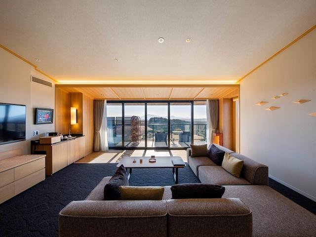 黒川温泉 瀬の本高原ホテル <西棟>プレミアムフロア露天風呂付き特別室 70㎡