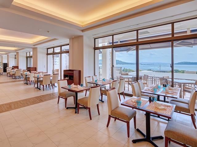 アラマハイナ コンドホテル レストラン